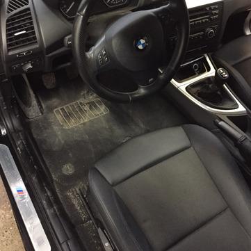 Nettoyage de cuir de voiture