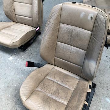 Réparation siège brulé